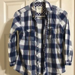 Woman  shirt,size s ,look brand new
